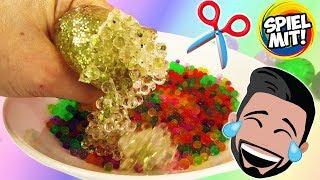 Kaans Crazy Experiment: SQUISHY MESH BALL & ORBEEZ BÄLLE ZERSCHNEIDEN! Was ist da drin?