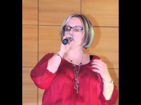 """Maguie Katt chante """"si j'etais elle"""" de Julien Clerc"""