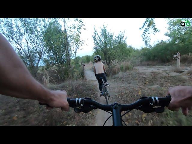 Aventuri pe bicicleta : Cu Alex prin Parcul Natural Lunca Muresului