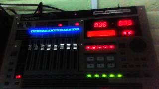 Secuenciador Roland  mc808