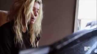 Ke$ha On The Piano - Love Into The Light