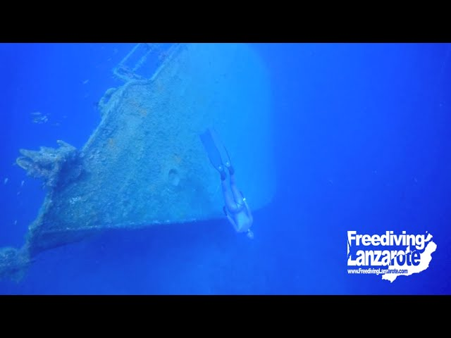 Freediving Lanzarote - Harbour Wreck