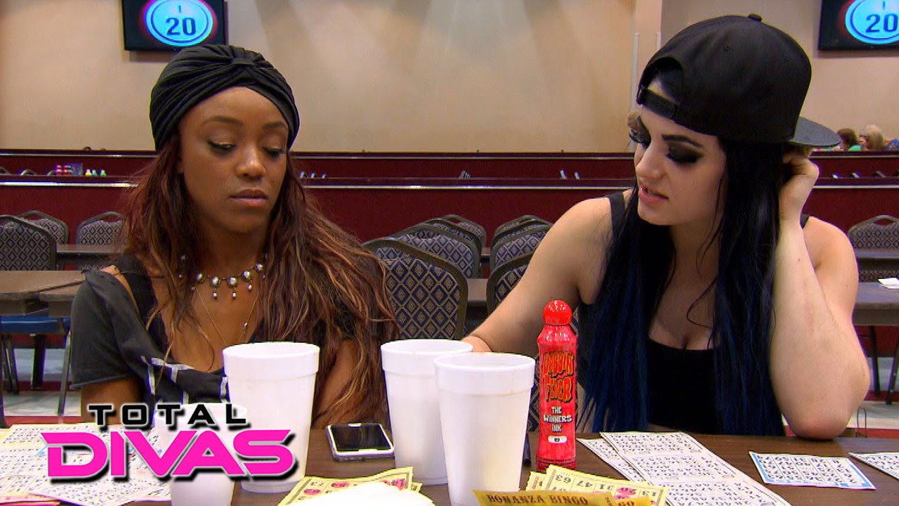 Paige and alicia fox play bingo total divas february 23 - The diva series ...