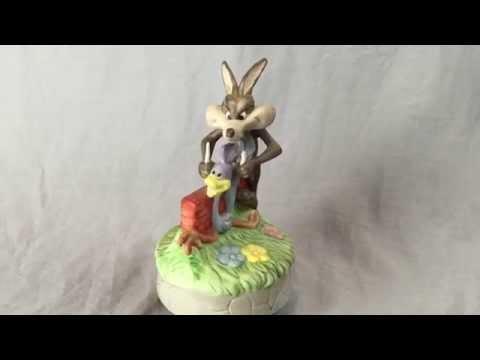 Wile E Coyote & The Roadrunner Music Figurine