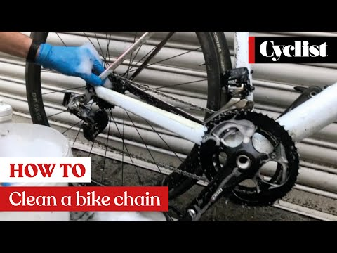 How to clean your bike chain and drivetrain like a pro