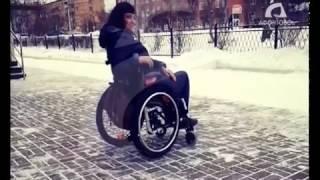 Девушку на инвалидной коляске не пустили в клуб в Красноярске