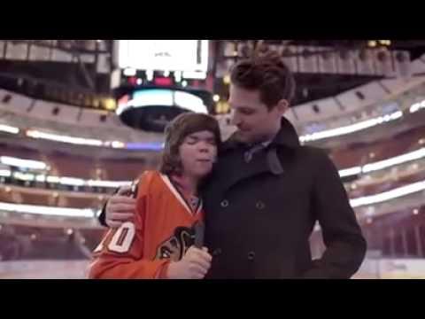 Blackhawks' Patrick Sharp helps 16 yr old Christin