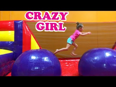 CRAZY INDOOR PLAY PLACE!!! Giant Bounce Houses & Obstacle Course Birthday Party + CUT FINGER INJURY