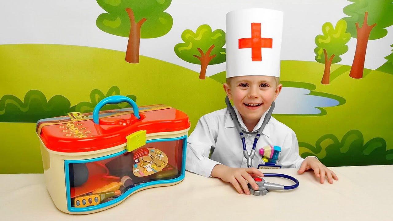Мальчик с тетей играет в доктора фото 627-612