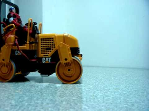 Bruder Caterpillar Asphalt Drum Compactor 02434