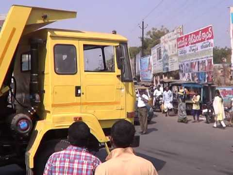 Road accident near Old Bus stand | Durga siti cable | News | Jagtial