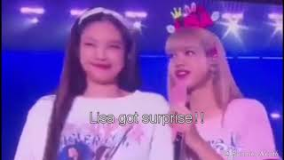 【Jenlisa】Jennie Kiss Lisa onstage for first time at Blackpink world tour 2019 in Hongkong