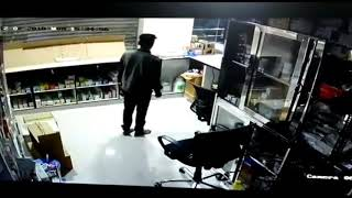 Thief in Hyderabad hospital CCTV footage 2018