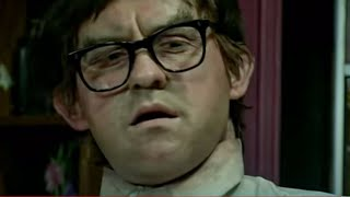 Foot in a box - The League of Gentlemen - BBC