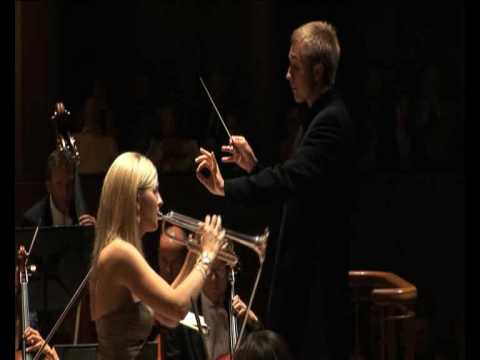 Alison Balsom plays with the RLPO