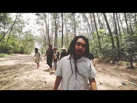 Lion and the Scouts - Bayo (Official Music Video)