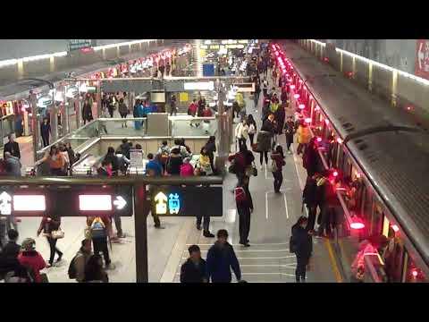日本人讚嘆台北地鉄(捷運.Taipei MRT.metro)超完美.同時進站同時離站,.太神奇.100分!!!