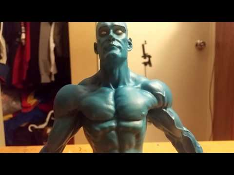 Unboxing Watchmen - Nite Owl, Dr Manhattan Action Figures
