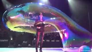 Мыльные пузыри. Потрясающее шоу от мировой звезды М. Янг(, 2014-11-11T15:07:48.000Z)