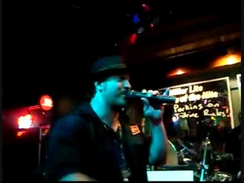 Chris Kirkpatrick and Joey Fatone Singing i want it that way