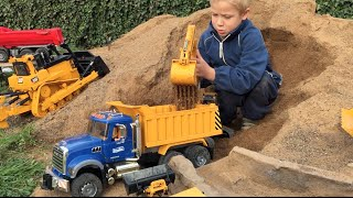 BRUDER TOY Trucks Tunnel Project BRUDER EXCAVATOR & Mini Dumpster