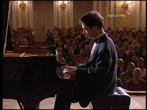 Alexander Melnikov plays 3 Rachmaninoff Preludes - video 2003