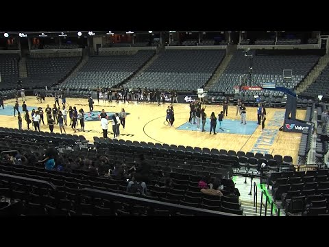WEB EXTRA: Grizzlies Host Sports Clinics for 450 Memphis Middle School Girls