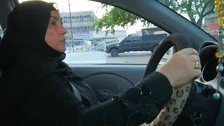 شاهد: أم علي.. أول سائقة سيارة أجرة عراقية