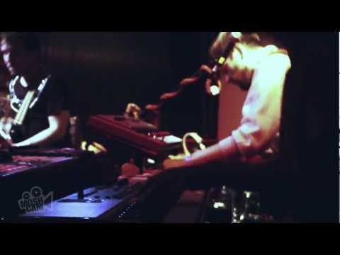 Francois & The Atlas Mountains - Slow Love (Live in London) | Moshcam