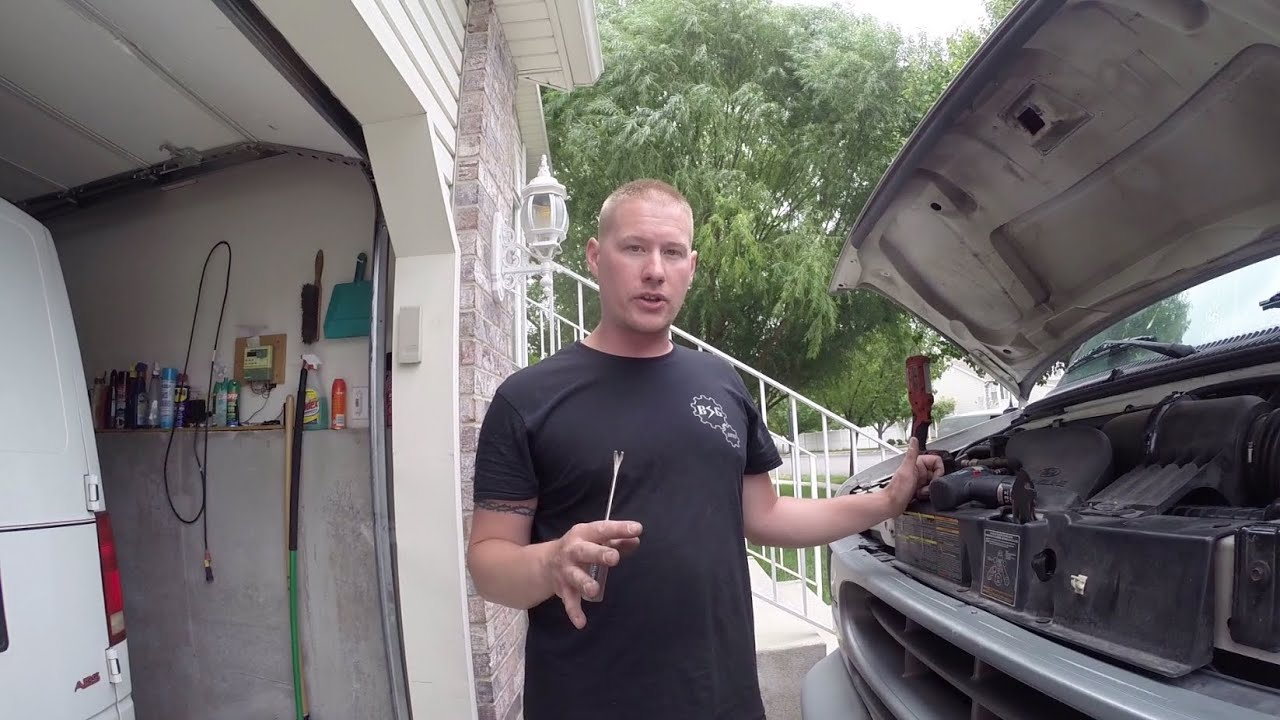 Ford Econoline Van 4.6L & 5.4L 2v Spark Plug Replacement Tips - YouTube
