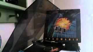 Def Leppard- Comin