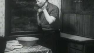 The City - 1939 Documentary - Clip 1: From Farms to Factories