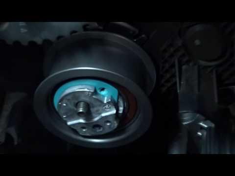 ПАССАТ Б6  замена ремня грм (установка натяжного ролика)