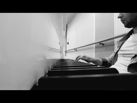 man plays piano, people were shocked | Музыка для души!