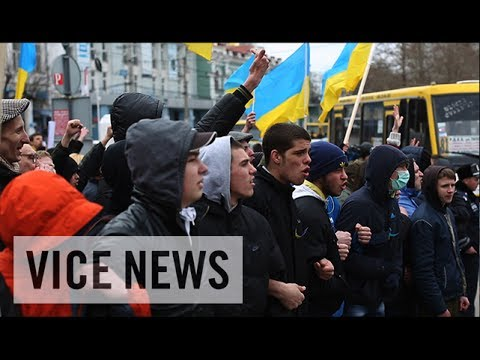 Pro-Russia & Pro-Ukraine Protesters Face Off: Russian Roulette in Ukraine (Dispatch 7)