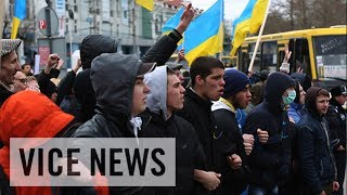 Pro-Russia & Pro-Ukraine Protesters Face Off: Russian Roulette in Ukraine