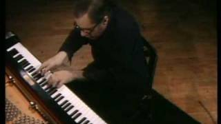 Glenn Gould Plays Bach : Goldberg Variation #5