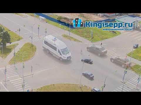 """ДТП у """"Татнефти"""". Видео момента ЖУТКОГО столкновения машин в Кингисеппе с камеры KINGISEPP.RU"""
