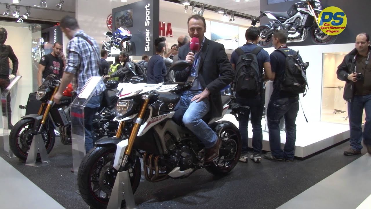 eicma 2013 yamaha mt 09 street rally youtube. Black Bedroom Furniture Sets. Home Design Ideas