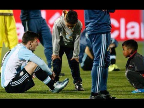 Dos niños chilenos, en vez de festejar, fueron a consolar a Messi Final Copa América 2015