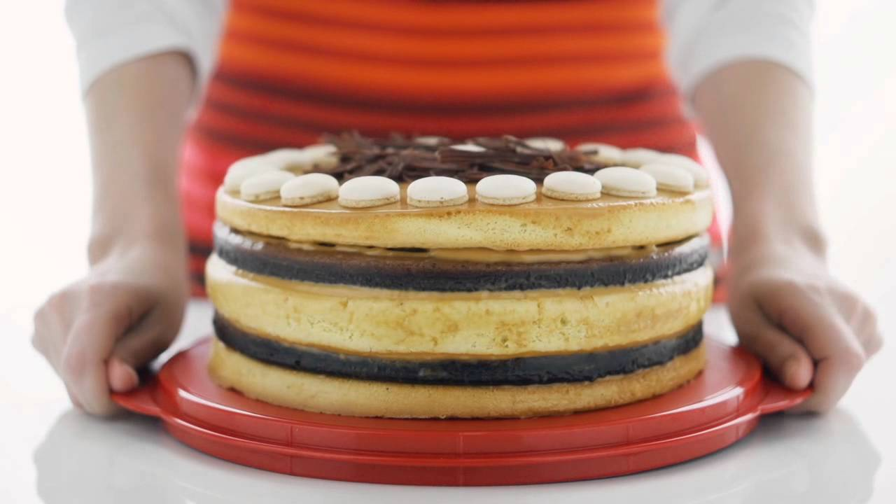 tupperware collapsible cake taker youtube