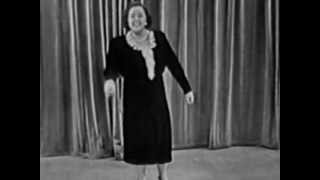 The Kate Smith Hour: Of Thee I Sing