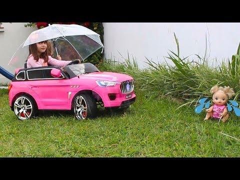 baby alive BRINCANDO NA CHUVA, Rain Rain Go Away, Nursery Rhymes  Simple Songs for Children 2018