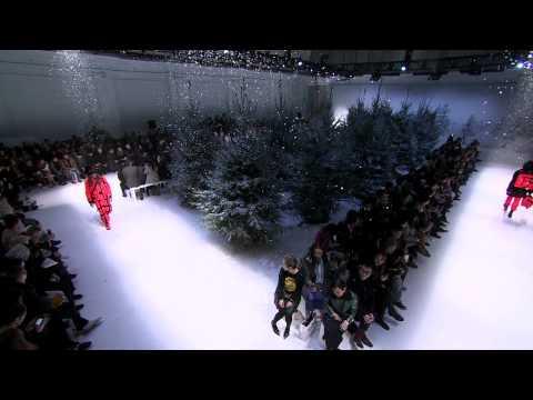 Moschino Fall/Winter 2015-16 Menswear Fashion Show