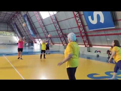 Esporte resgata a autoestima de idosos da capital