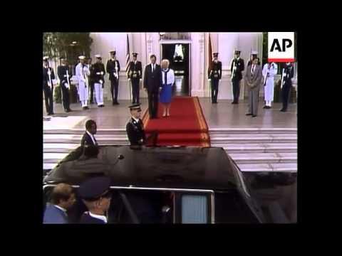 Soviet Union leader Mikhail Gorbachev and his wife Raisa leave Washington, DC after a four day Summi