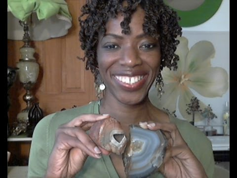 Are You A Lightworker? How Are You Impacting Others? (Agate Crystal))