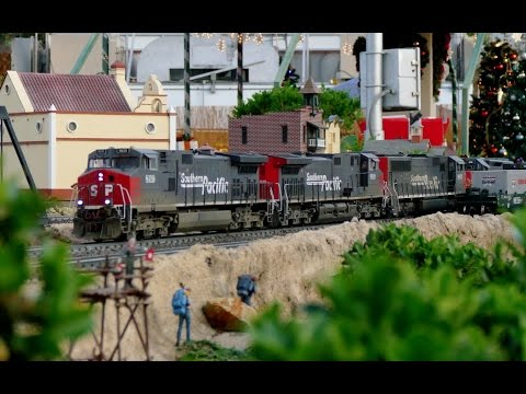 Extremely Long G Scale Train – 162 Cars