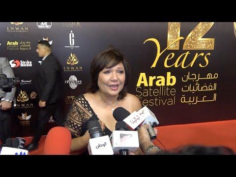 بكاء عايدة رياض بسبب ياسمين عبدالعزيز في مهرجان الفضائيات