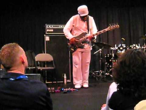 "Darryl Jones, ""Decoy"" Live at Bass Player LIVE!"